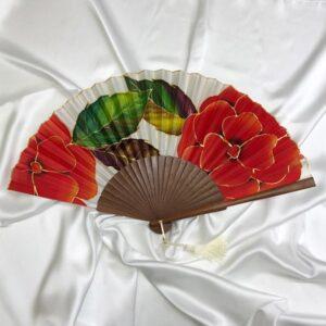 Abanico de seda grande pintado a mano con flores rojas