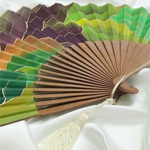 Abanico de seda pintado a mano verde