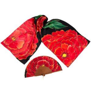 Conjunto de seda pintado a mano de fular y abanico de flores rojas