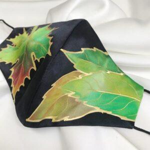 Mascarilla homologada de seda pintada a mano con hojas