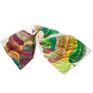 Fular de seda pintado a mano con hojas grandes verdes