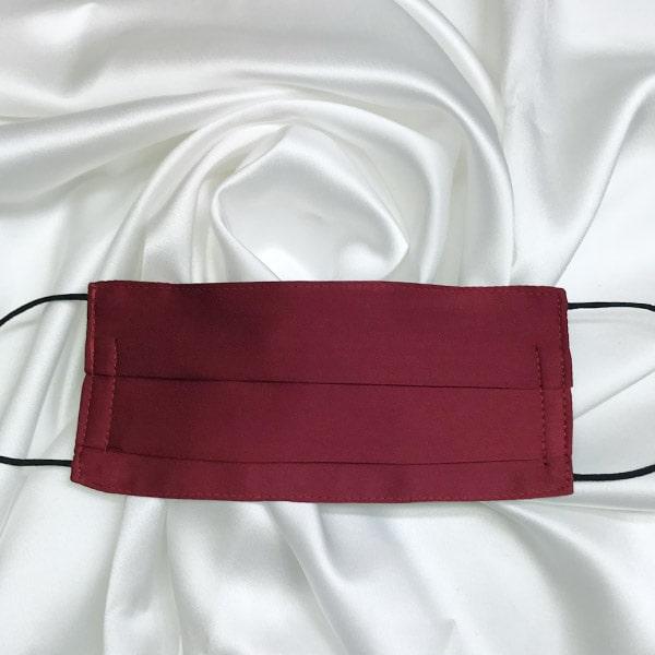 Mascarilla homologada de seda pintada a mano para hombre granate
