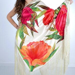 Mantón de seda pintado a mano con flores variadas rojas