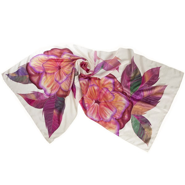 Maxifular de Seda pintado a mano con motivo de flores rosas y malvas