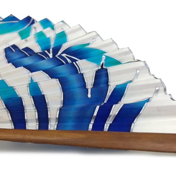Conjunto de seda pintado a mano de fular y abanico flores