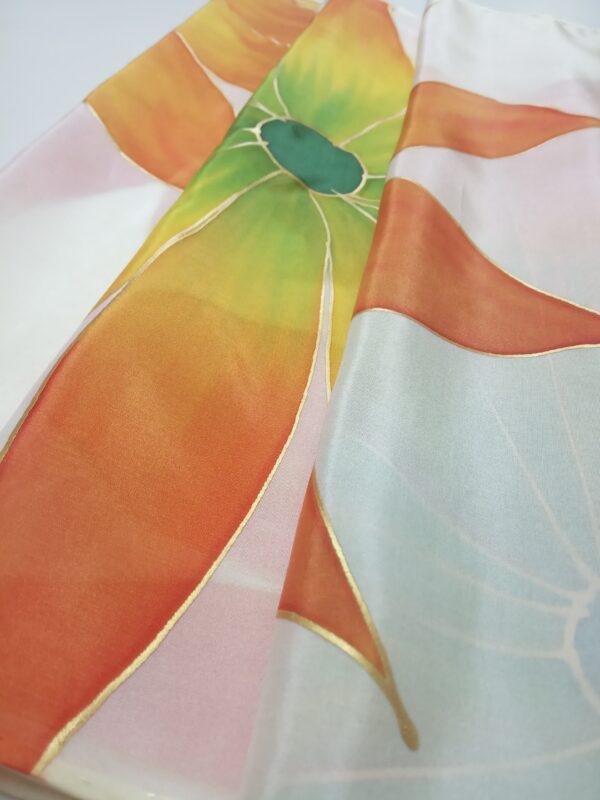 Fular de seda pintado a mano con girasoles