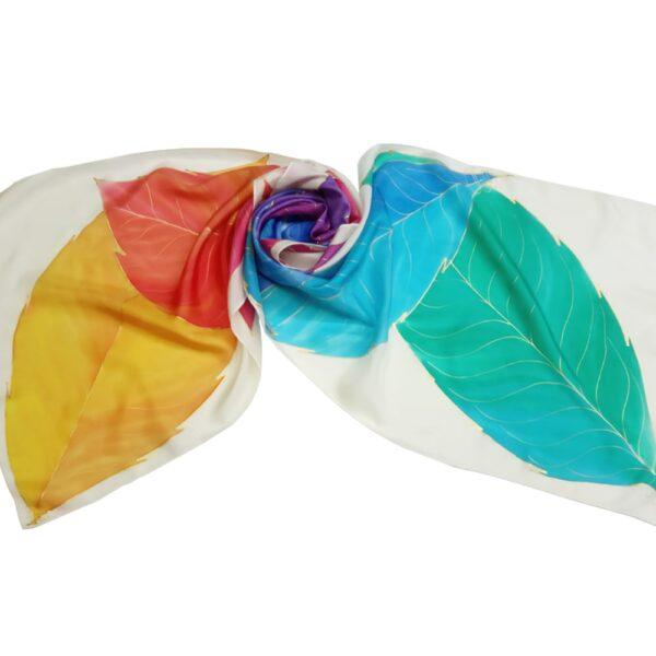 Fular de seda pintado a mano con hojas lanceoladas multicolor