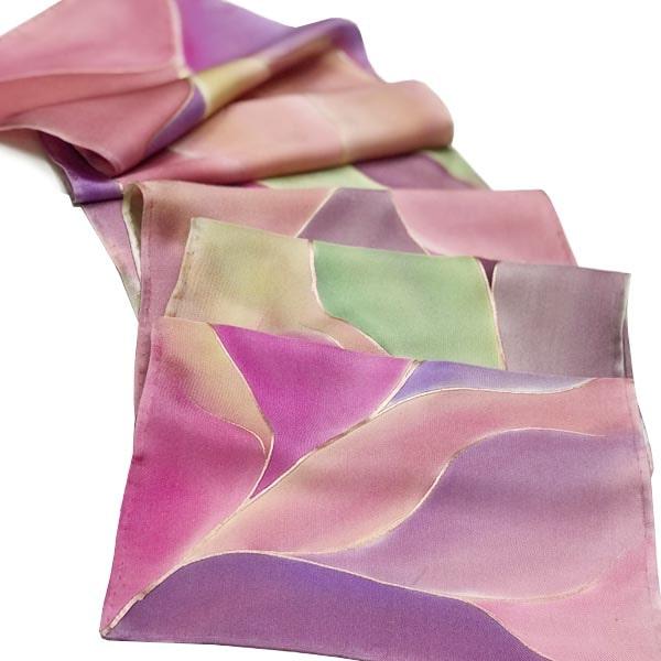 Fular pañuelo de seda pintado a mano en tonos nudé