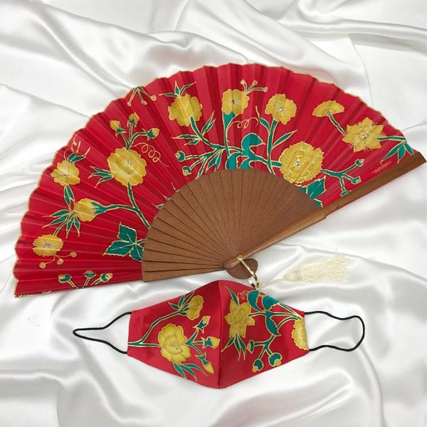 Conjunto de seda pintado a mano de dos piezas de flores Manila