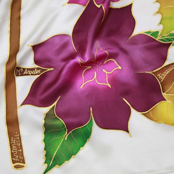 Fular de seda pintado a mano con árbol genealógico