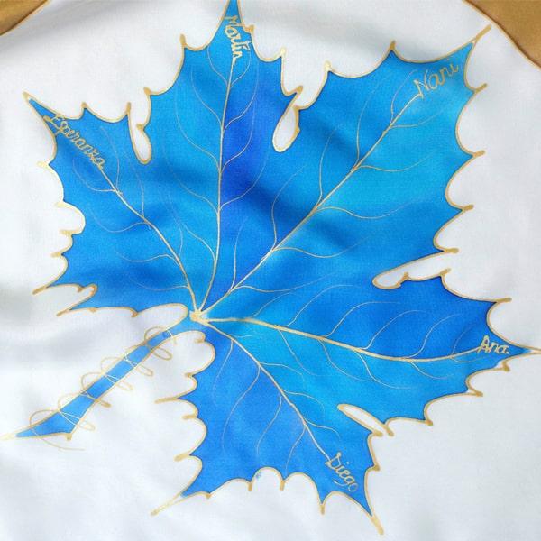 Fular de seda pintado a mano personalizado con nombres