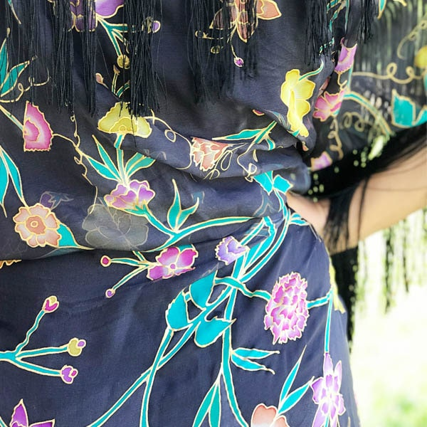 Mantón-Kimono de seda flecado pintado a mano con flores Manila