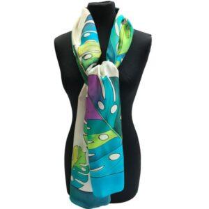 Fular de seda para mujer pintado a mano con hojas de Costilla de Adán